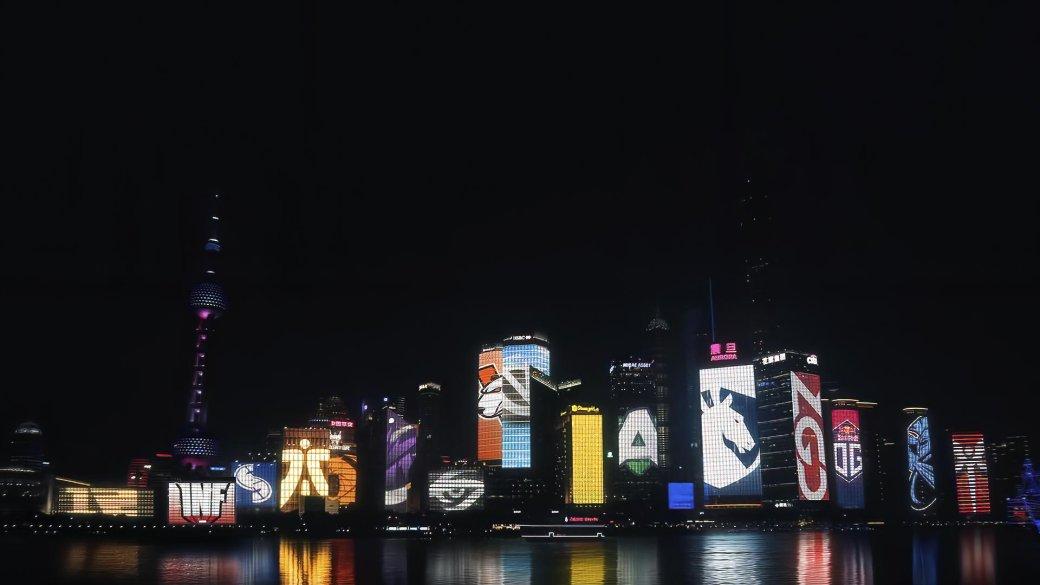 Фаны Dota 2 в восторге от разукрашенных в логотипы участников TI9 высоток Шанхая. Жаль, но это фейк