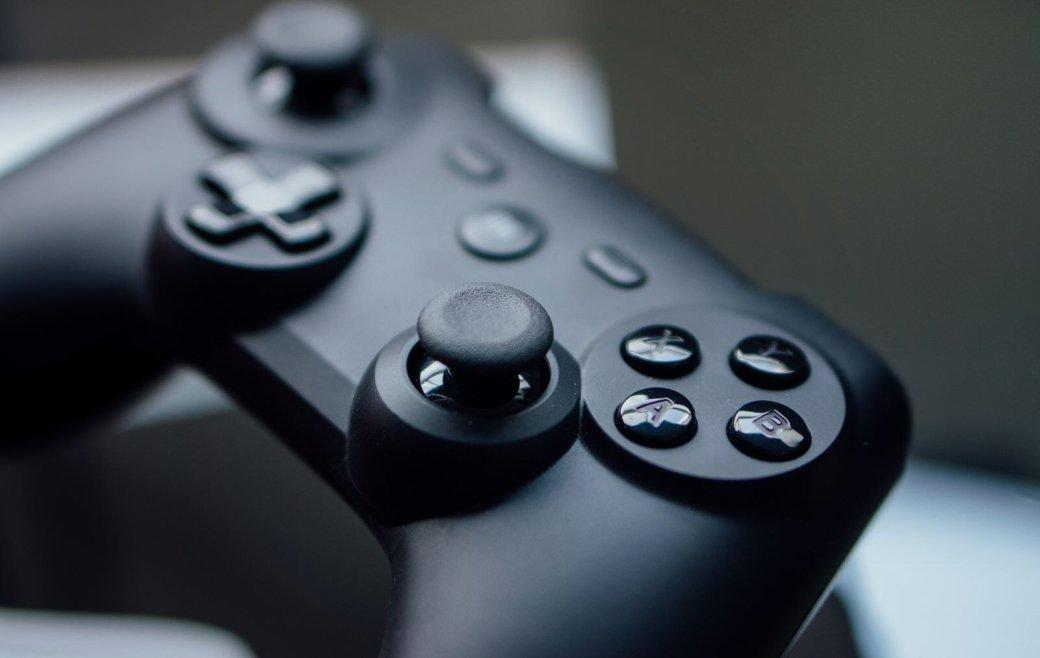 Даже самые жесткие ПК-бояре иногда пользуются геймпадами, потому что некоторые игры просто лучше проходятся сними. Аесли контроллер решитесь купить ивы, товот вам лучшие, нанаш взгляд, геймпады для ноутбуков икомпьютеров. Если пользуетесь одной изуказанных ниже моделей, тонапишите свои впечатления вкомментариях. Аесли знаете контроллеры лучше, тоуказывайте ихназвания ипреимущества тамже.