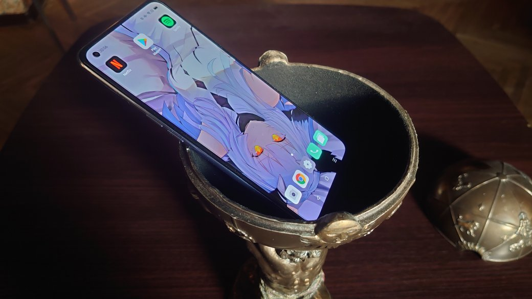 Вконце апреля вРоссии начались продажи среднебюджетного смартфона Oppo A74. Аппарат примечателен симпатичным дизайном имодулем NFC, чего небыло уеекитайской версии. Авот характеристики невпечатлили, кроме подэкранного сканера отпечатков пальцев ибыстрой зарядки на33Вт. Разбираемся, кому идля каких задач стоит обратить внимание наэту модель.