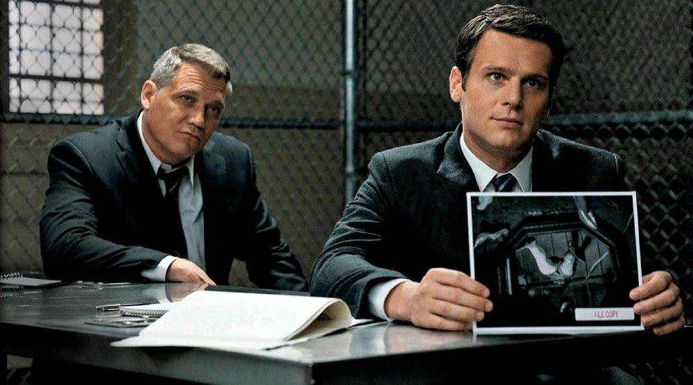 16августа Netflix выпустил полный второй сезон психологической драмы «Охотник заразумом» (Mindhunter). Кинокритик Эдуард Голубев делится восторгом отпросмотра всех 9 серий.