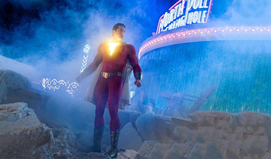 4апреля нанаши экраны вышел «Шазам» (Shazam!)— экранизация комиксов оБилли Бэтсоне, 12-летнем пацане, который может превращаться в, посути, магическую копию Супермена, произнеся волшебное слово. Герой, изначально носивший имя Капитан Марвел, был придуман 80 лет назад… Хотя, давайте попорядку, потому что истории создания Шазама, если честно, кажется мне чутьли неувлекательнее его магических приключений.