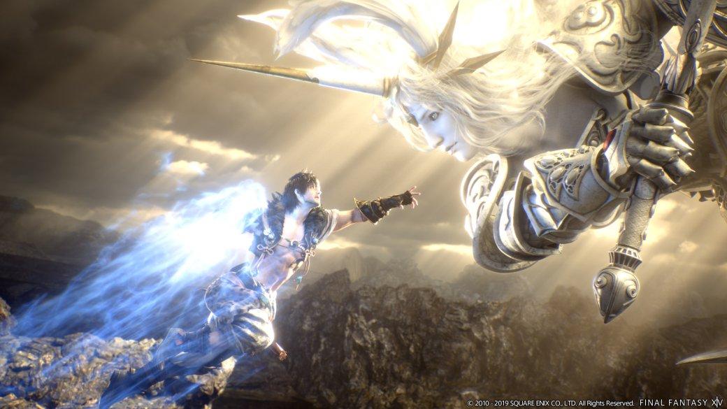 Final Fantasy XIV потребовалось наэто немало времени, ноона достигла запредельных высот. В2010-м нарелизе версии 1.0 она получила «красный» рейтинг наMetacritic инанесла бренду Final Fantasy «огромный ущерб», как заявил тогда глава Square Enix. В2013-м еечудом воскресили, азатем патч запатчем, обновление заобновлением растили— ипришли ктому, что Shadowbringers, версия 5.0, оказалась насередину 2019-го лучшей игрой года поверсии Metacritic. Заслуженно.