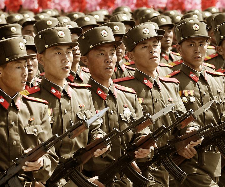 Советский Союз<br />и Россия постоянно выступали в роли злодеев как в фильмах, так и видеоиграх. Но<br />наша Родина в этом не одинока: вымышленная КНДР тоже часто вынашивает коварные<br />планы и пытается уничтожить весь мир – благо, политическое и идеологическое<br />устройство страны как нельзя лучше этому подходит.К выходу фильма<br />«Неуловимые»  мы вспомнили 7 игр, где Северная Корея выступала на ключевых ролях<br />и посмотрели, как выглядит самое закрытое государство мира в представлении<br />разработчиков.