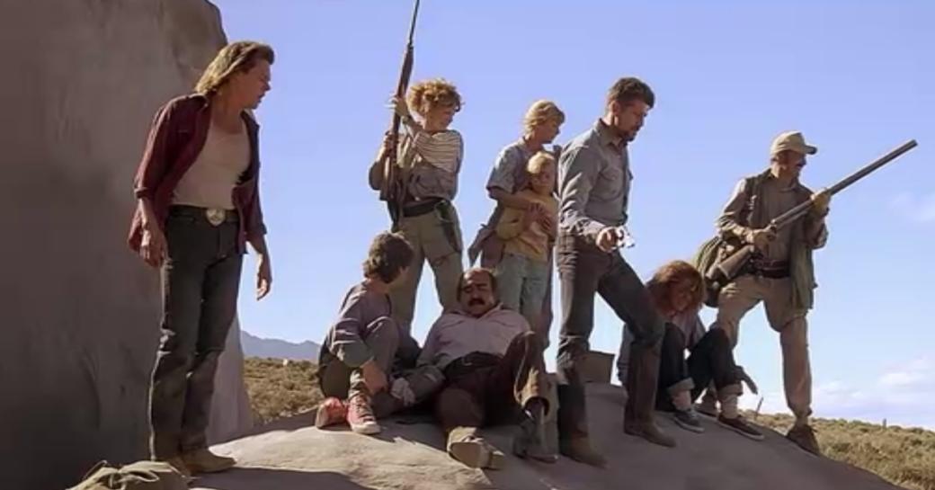 В червях сила: Кевин Бейкон делает сериал по фильму «Дрожь земли»!