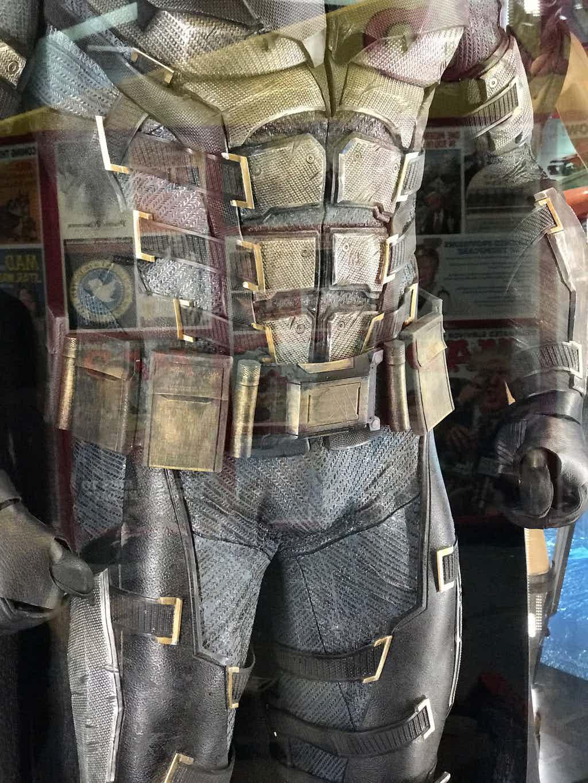 Как выглядят костюмы супергероев в«Лиге справедливости»?