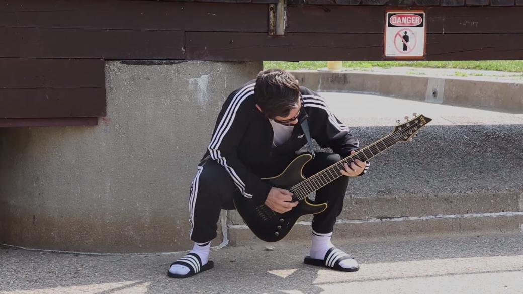 Вау! Канадский ютубер и вокалист Wildways записали славянский металкор на кортах