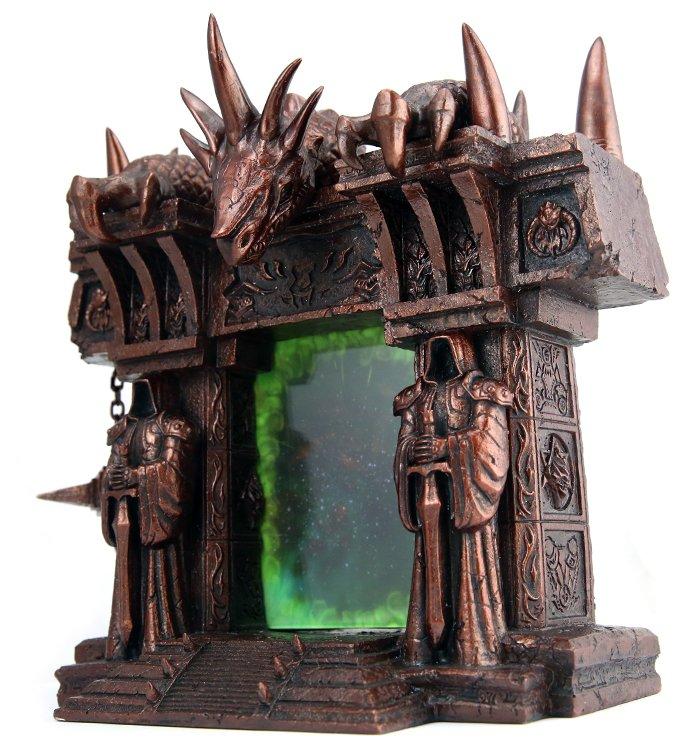 Лучший подарок фанату Warcraft – фоторамка «Темный портал»